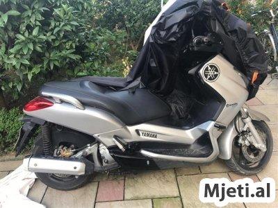 X MAX 250 cc 1500 euro
