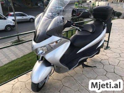 Shes/Nderroj Suzuki Burgman 200cc, viti 2008.